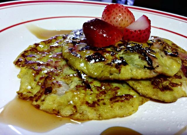 Flourless Strawberry Pancakes